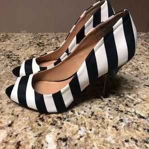 Fioni Black & White Striped Open Toe Pumps Size9.5